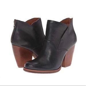 Kork-Ease Castaneda Black heeled booties Size 7